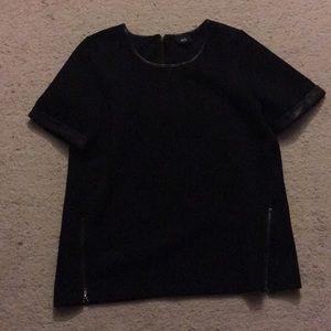 Form fitting Black Shirt